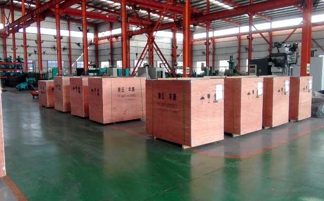 丰源机械三叶罗茨鼓风机装箱准备发货